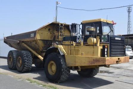 CAT D350E 重ダンプ