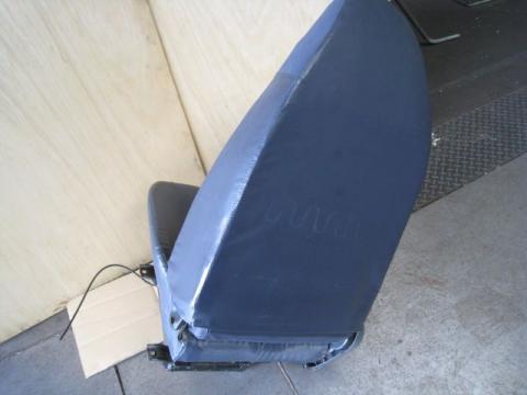 三菱ふそう ファイター PDG- ファイター 運転席 ビニールレザー 中古部品