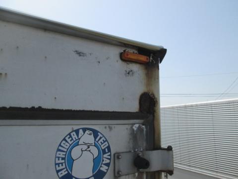 いすゞ 大型車 大型冷凍BOXサブエンジン付 中古部品