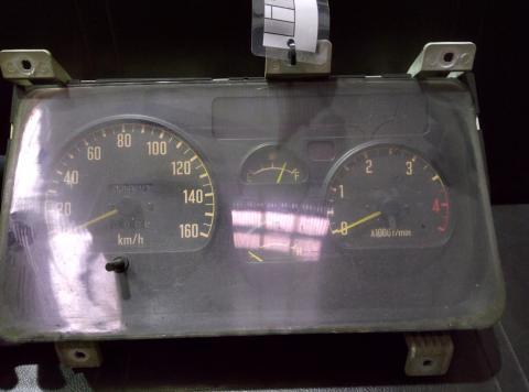 中古トラック部品 いすゞ エルフ スピードメーター