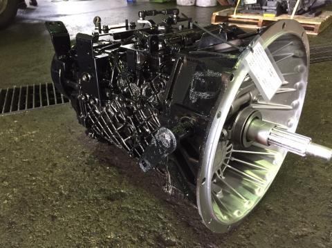 中古トラックパーツ マニュアルミッション