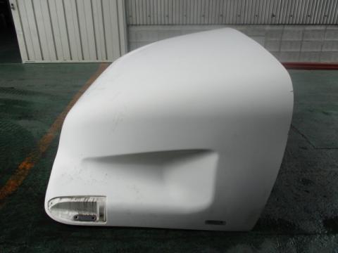 いすゞ 大型車 導風板 中古部品