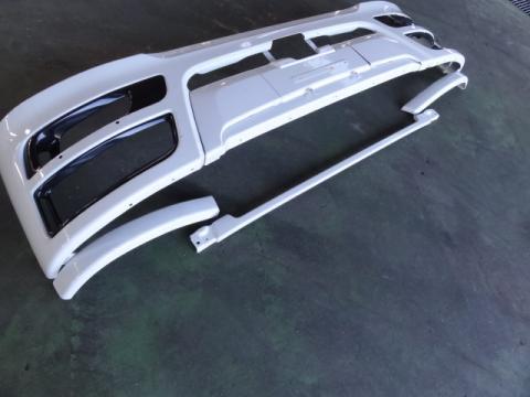 三菱ふそう 大型車 Fバンパー 中古部品