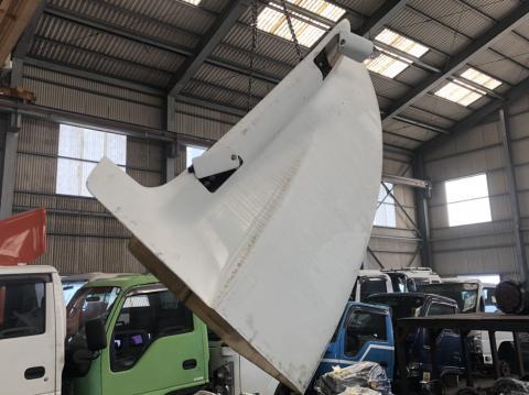 中古トラックパーツ 導風板