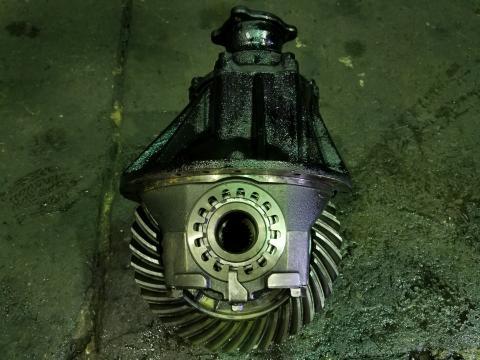 中古トラックパーツ リヤデフ