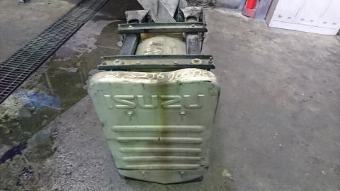 中古トラック部品 いすゞ トラクター マフラータイコ
