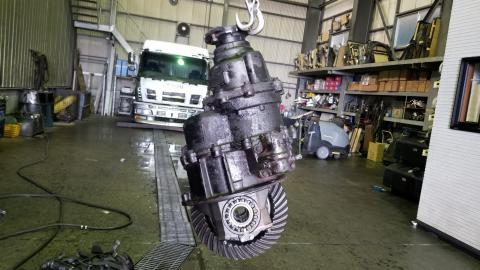中古トラックパーツ リヤフロントデフ