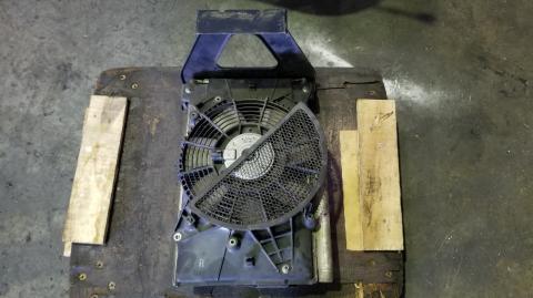 中古トラックパーツ ACコンデンサー