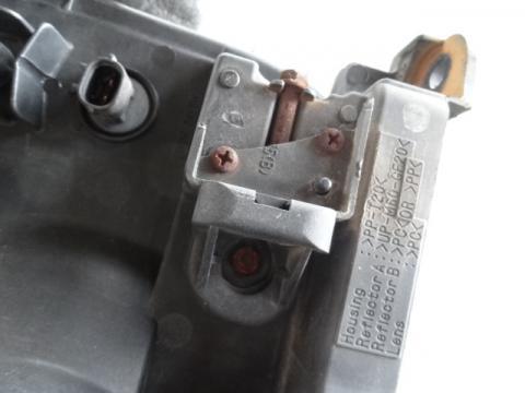 三菱ふそう ファイター ヘッドライトAy(右) 中古部品