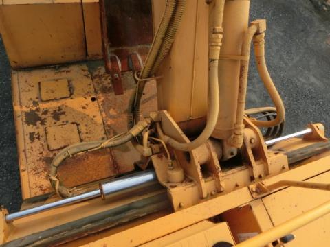 中古穴掘建柱車 いすゞ エルフ