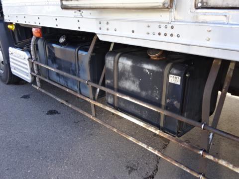 中古冷凍バン いすゞ ギガ