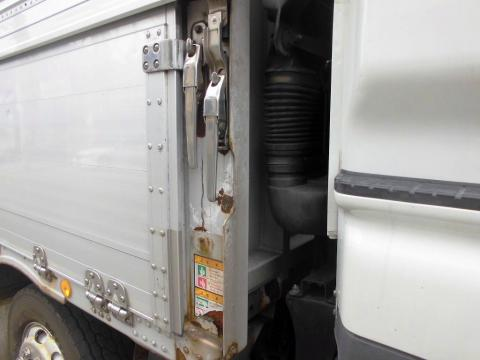 中古トラック H19年式 4軸低床 検査付 管理E/G乗せ換え歴有