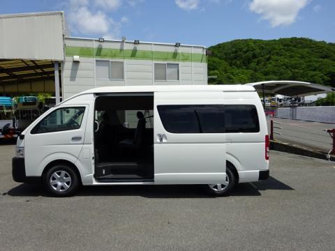中古バス トヨタ ハイエース