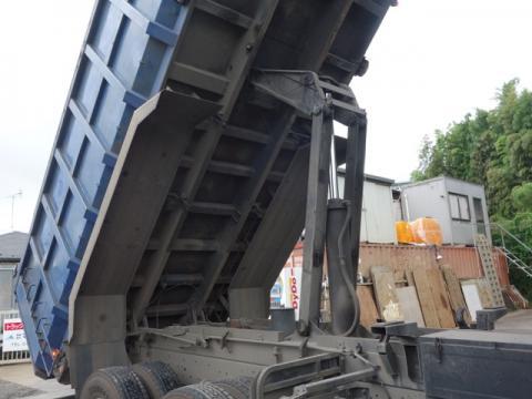 中古深ダンプ UDトラックス クオン