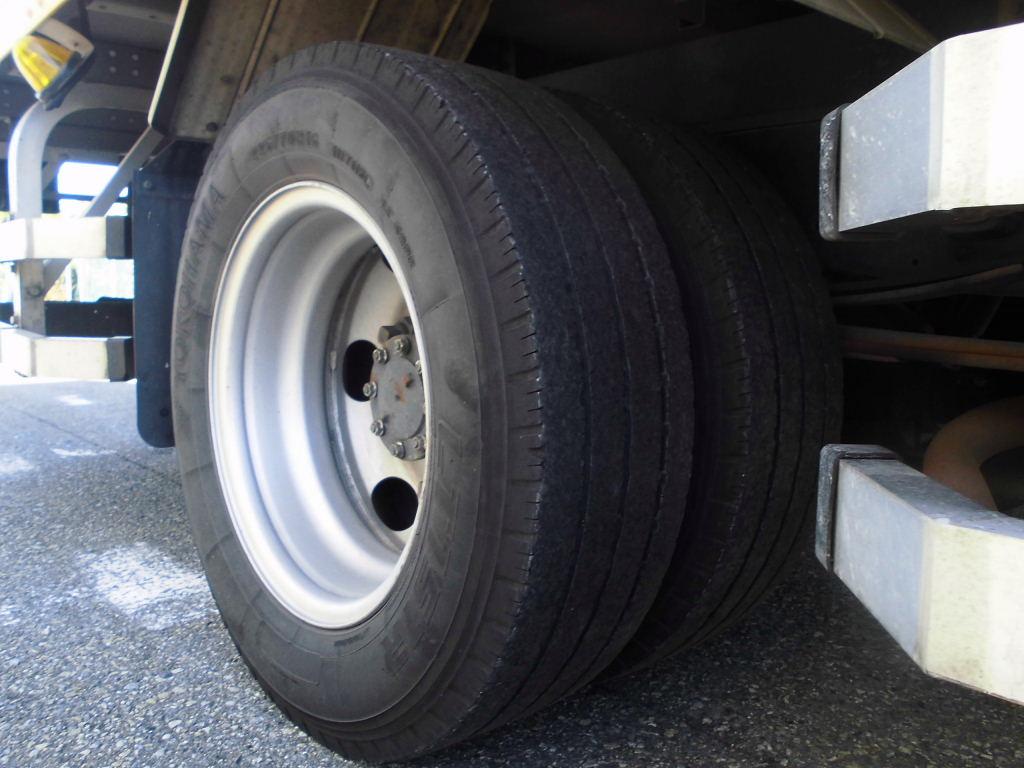 中古トラック H23年式 ワイド超ロング 積載3t アルミバン