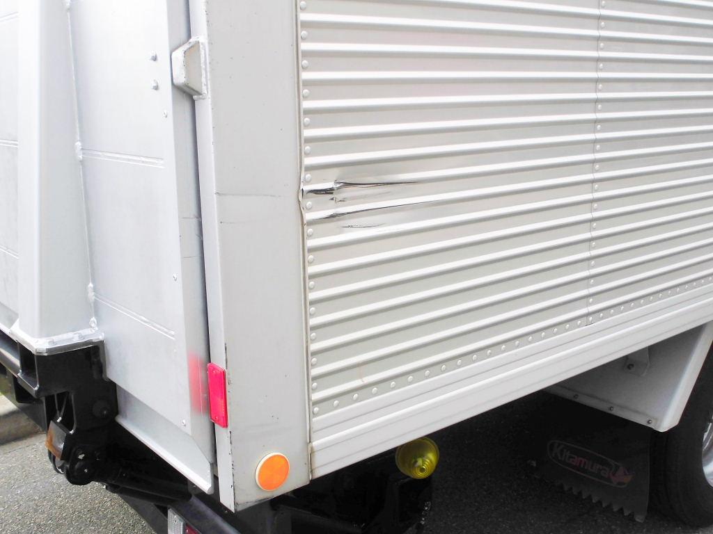 中古トラック H22年式 ワイド 超ロング P/G付アルミバン