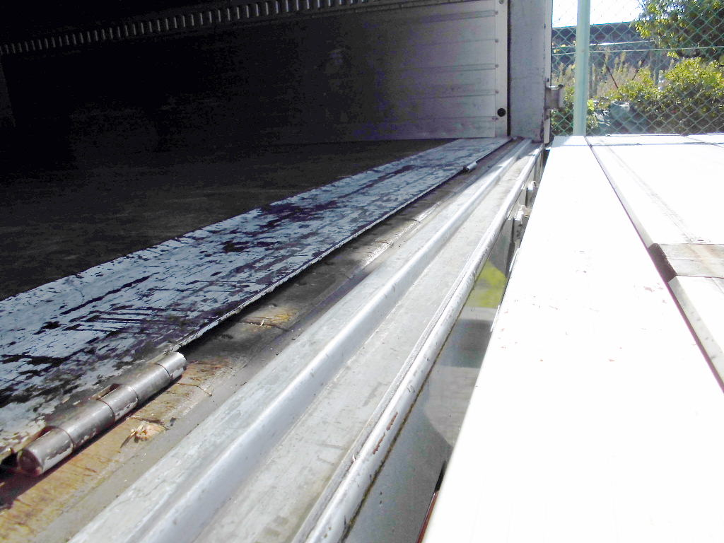 中古トラック H18年式 検査 エアサス 格納ゲート付 アルミウイング