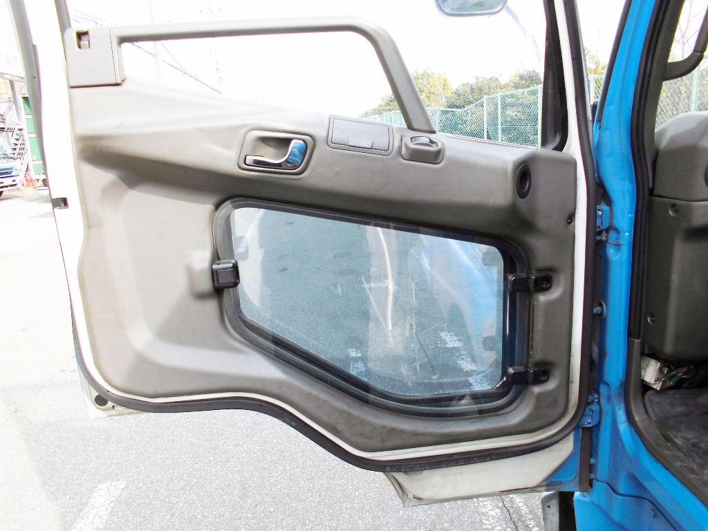 中古トラック H17年式 車検付 タダノ 3段フックイン クレーン付平