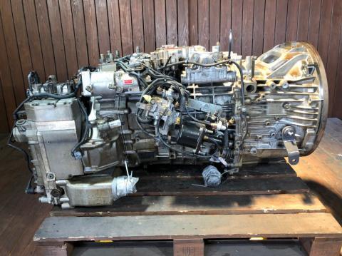 中古トラック部品 日産UD トラクター セミオートマチックミッションAy