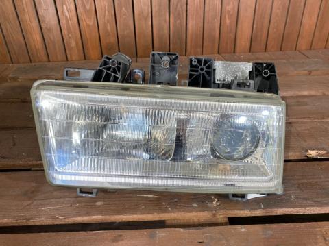 中古トラック部品 三菱ふそう 大型車 ヘッドライトAy(右)