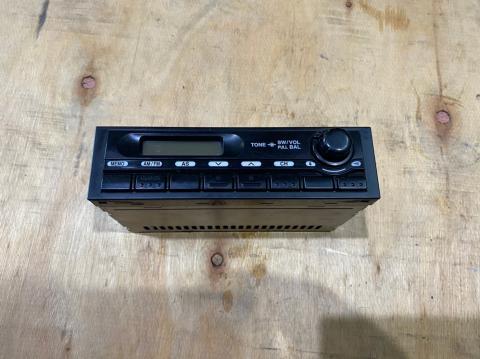 中古トラック部品 いすゞ エルフ ラジオ