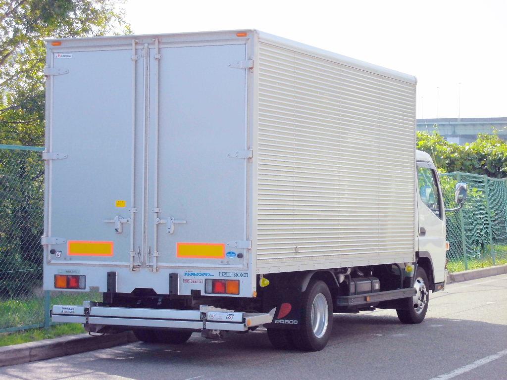 中古トラック H22年式 予備検査 格納ゲート付 積載3t アルミバン