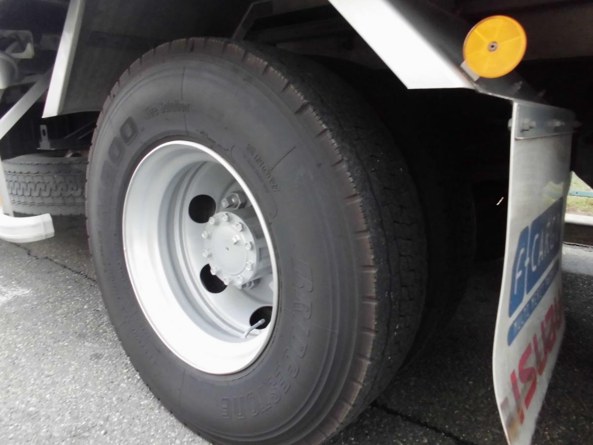 中古トラック H26年式 6.2m 格納ゲート付 冷凍ウイング