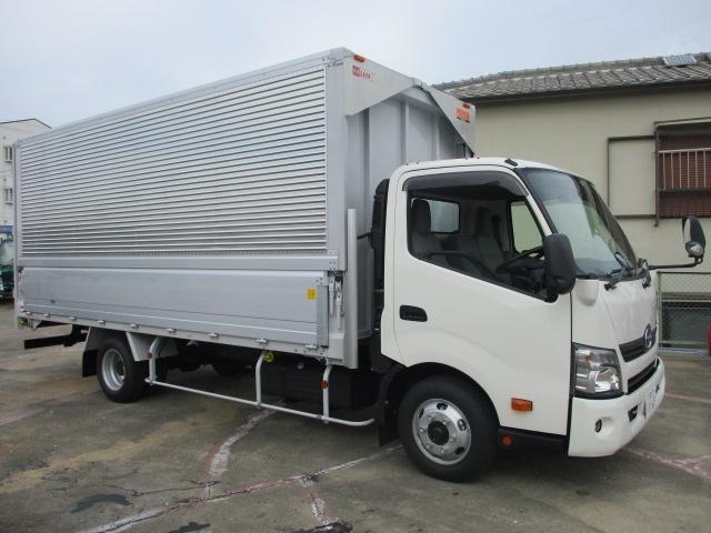 中古トラック H31年 日野 3tウイング フルフラットロー 新古車