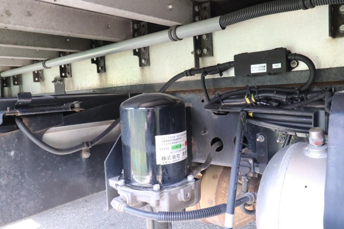 中古トラック H23年式 6.2m エアサス 跳ね上げPG付 ウイング