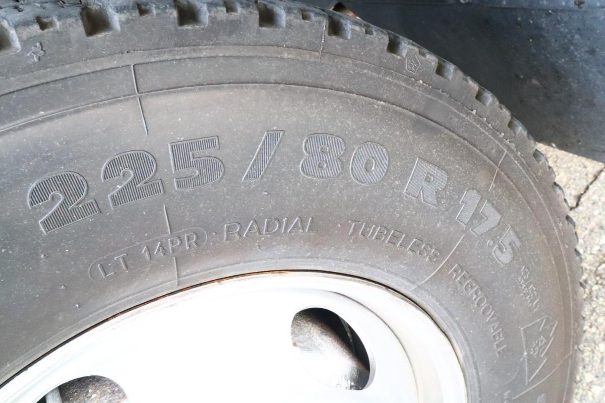 中古トラック H24年式 ワイドベット付 6.2m アルミウイング